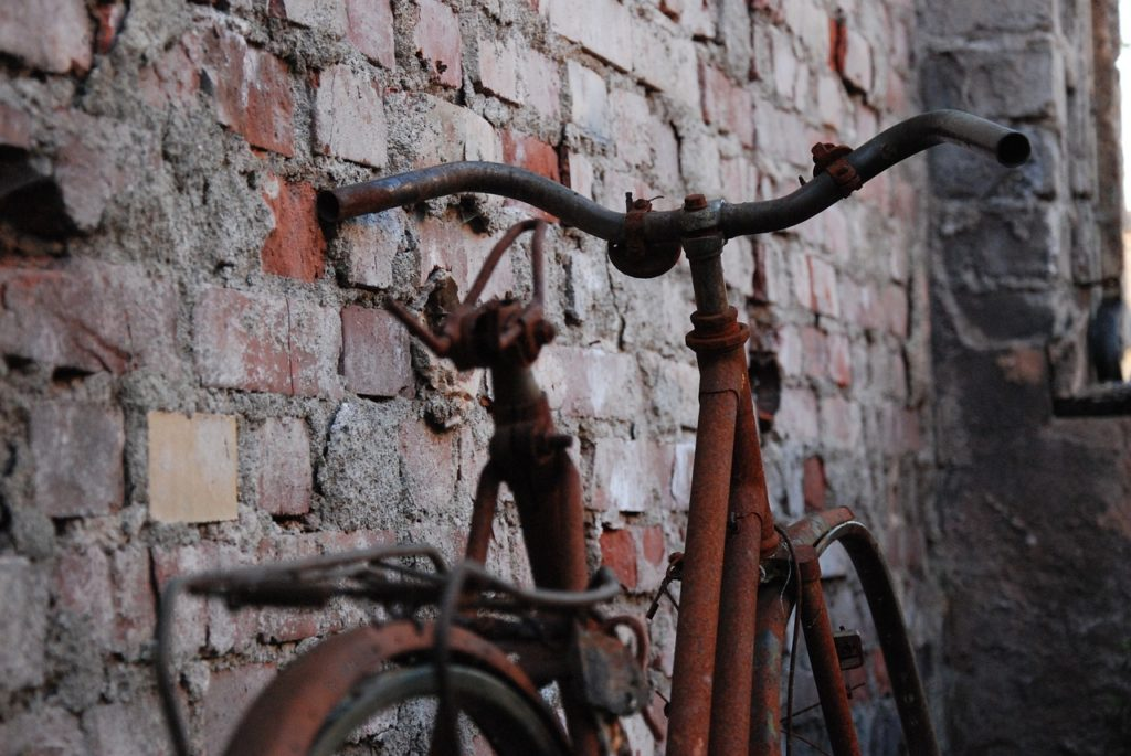 Entrümpelung und Entsorgung Keller Dachboden altes Fahrrad