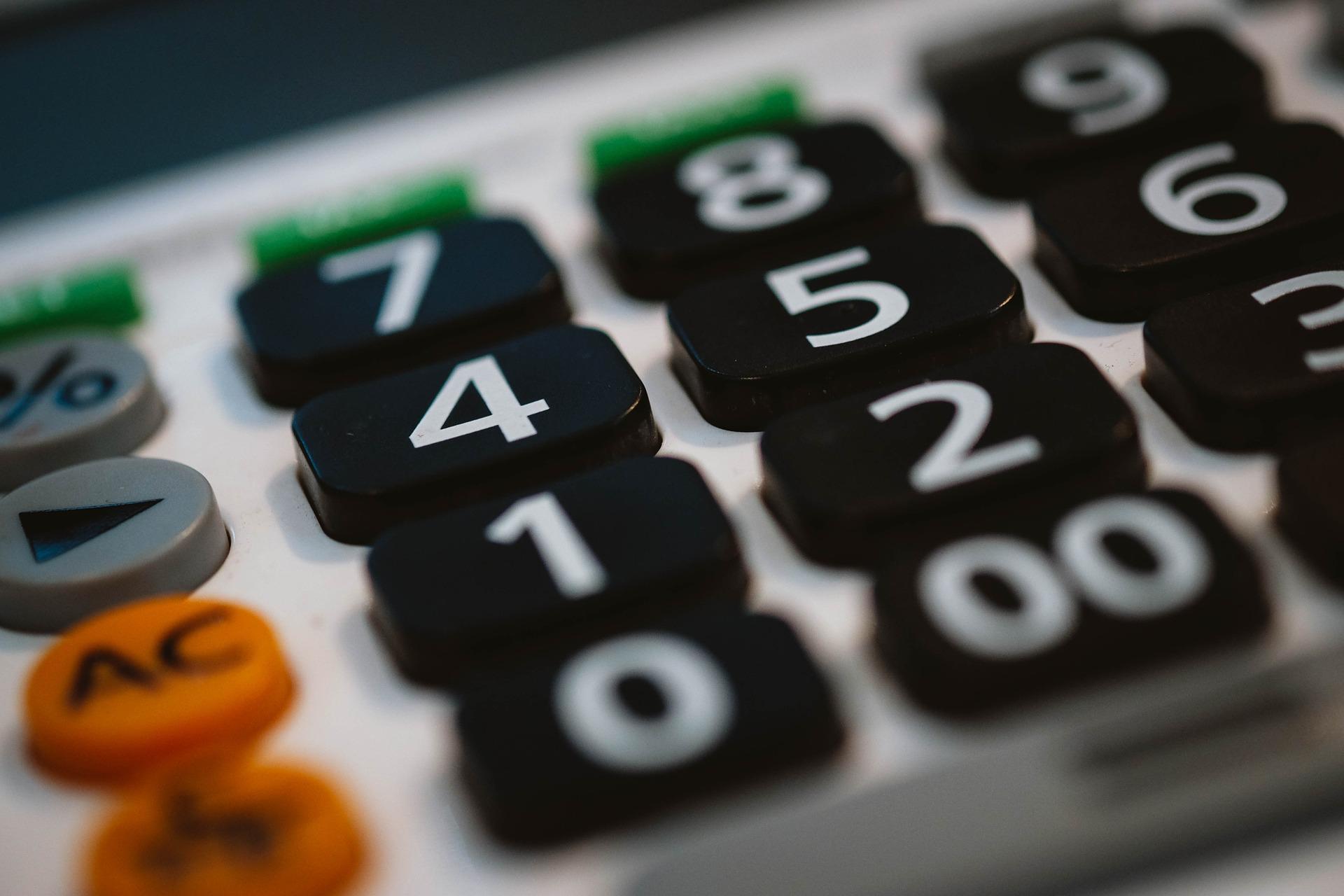 Wie mache ich mich selbstständig? | Teil 3 - Was ist mit Steuern, Buchhaltung & Finanzen?