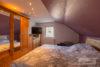 Solingen-Ohligs: MFH + EFH | 365 m² Wohnfläche | 506 m² Eckgrundstück mit Terrasse & Carport uvm. - Schlafzimmer