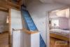 Solingen-Ohligs: MFH + EFH | 365 m² Wohnfläche | 506 m² Eckgrundstück mit Terrasse & Carport uvm. - Treppenaufgang zum DG