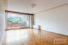 Ricklingen: 96 m² Parterre-Whg. | Tiefgarage & Fahrstuhl | riesige Terrasse | elektr. Rolläden uvm. - Wohnzimmer