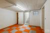 Köln: Bungalow mit 106 m² Wohnfläche + 35 m² Wintergarten | große Ausbaureserve | Feldblick uvm. - Vorratsraum im Keller