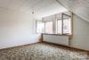 Pulheim-Stommeln: EFH - perfekter Schnitt | viel Ausbaureserve | 2 Garagen | Kamin, Sauna & uvm. - Schlafzimmer rechts (OG)